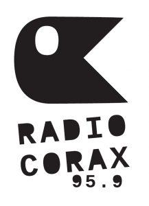 corax_hoch_schwarz