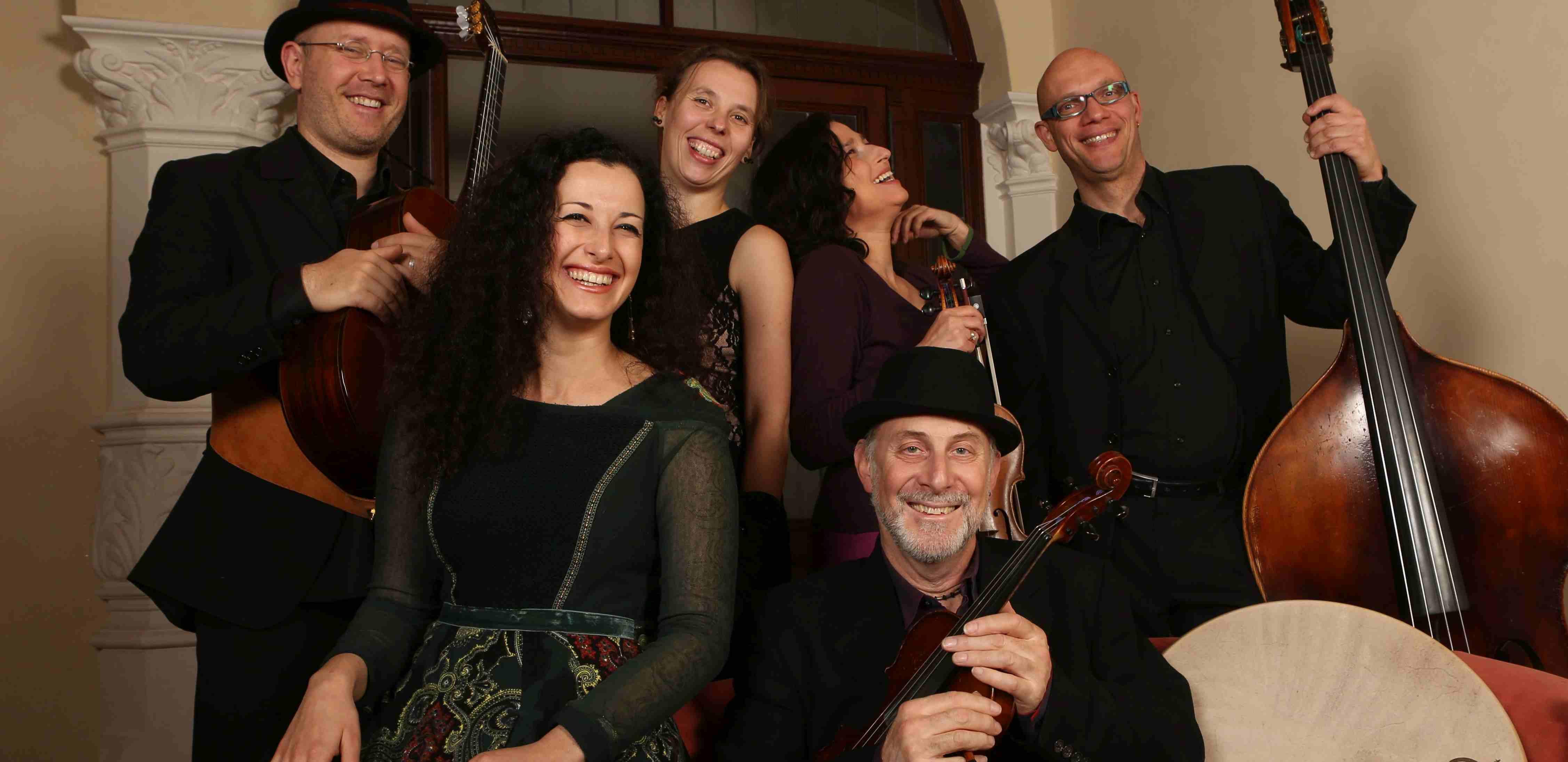 Doppelkonzert: Bube Dame König & Voices of Ashkenaz am 12.11.2016 in der Aula / Löwengebäude